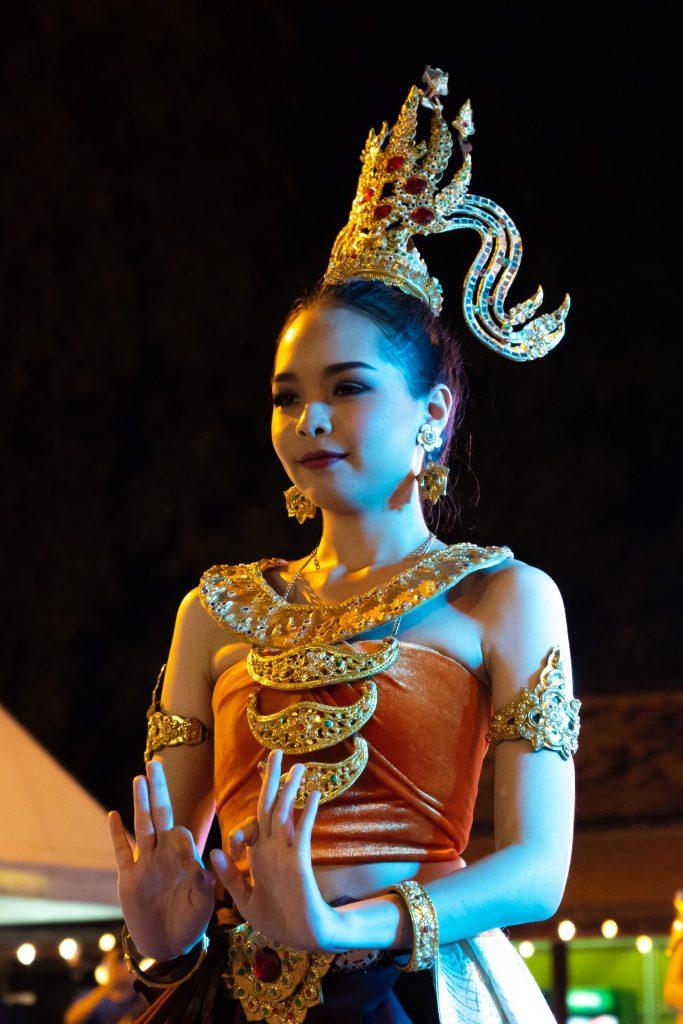 Plesačica na Tajlandu